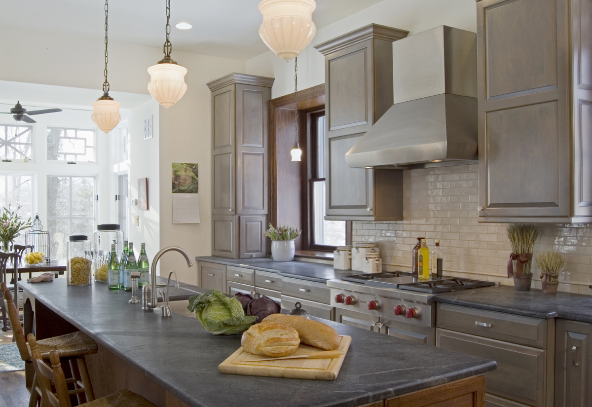 Often Used In Laboratories For Its Resistance To Stains, Chemicals And  Bacteria, Soapstone Is A Durable And Natural Choice For A Kitchen.